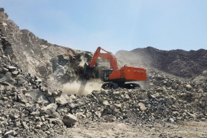 Lootah Group orders 2 new units ZX870