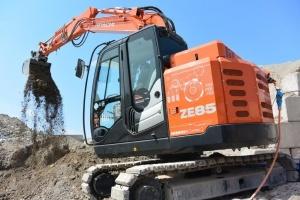 Hitachi Zero Emission excavator ZE85 - For a clean jobsite