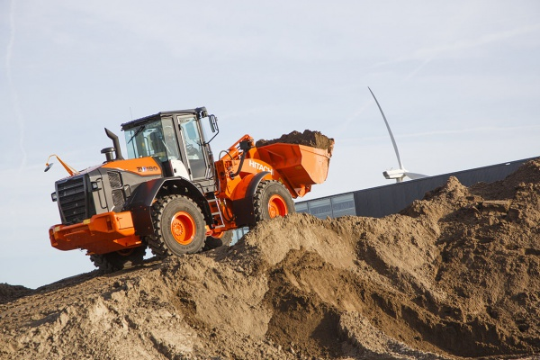 Operating weight: 14,37 - 14,86 t